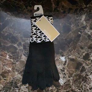 NWT Michael Kors black winter gloves